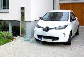 Manovra 2019: incentivi auto elettriche, ibride e a gas