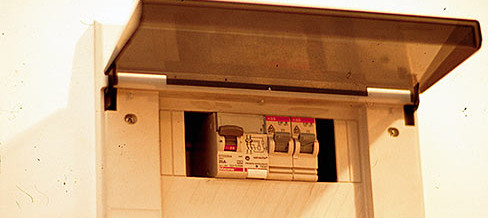 Debutta il libretto di impianto elettrico, strumento (non obbligatorio) per una casa più sicura ed efficiente